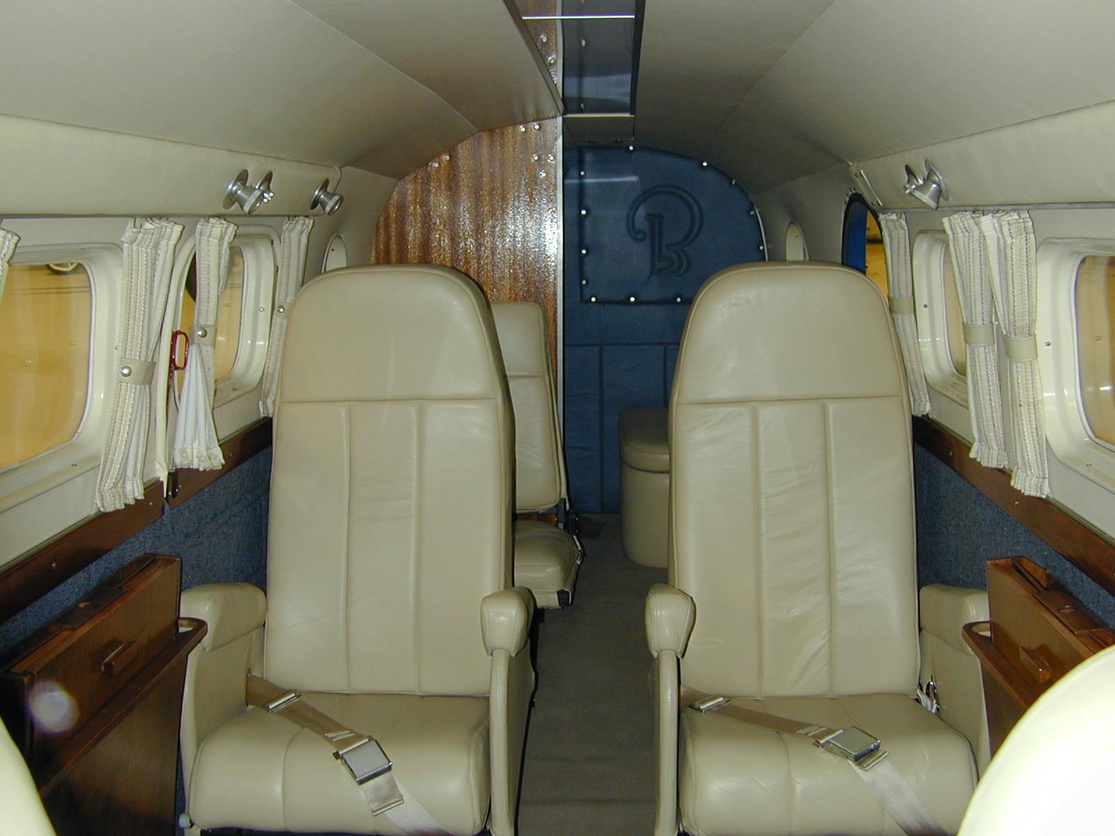 Tim Savage S Beech C 45 Eaa Warbirds Qr Code Website