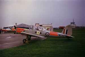 WG431 in modified gray/day-glo livery at Glasgow UAS (1969-1971)